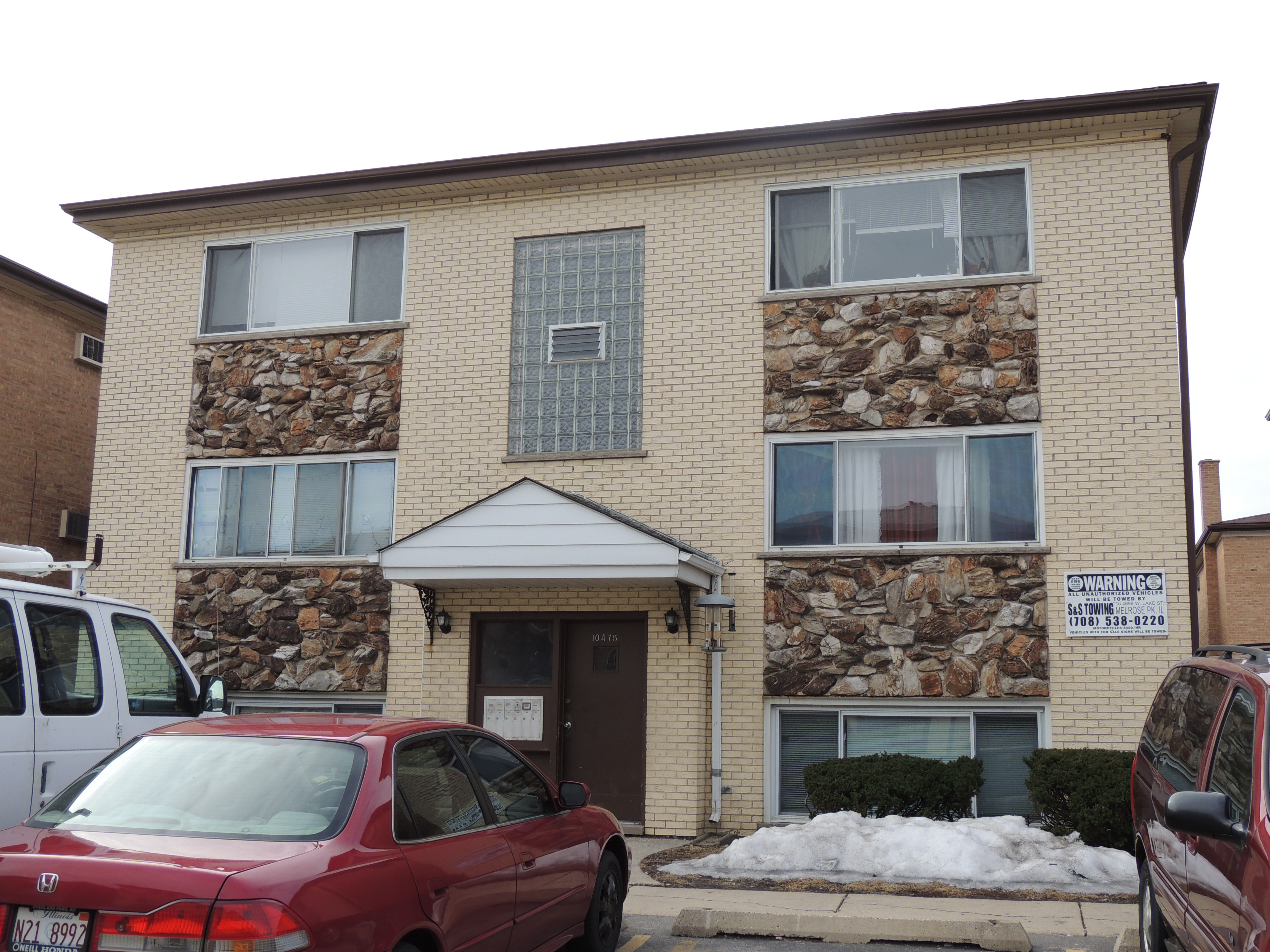 Stabilized 6 Unit Apartment Building Near Touhy
