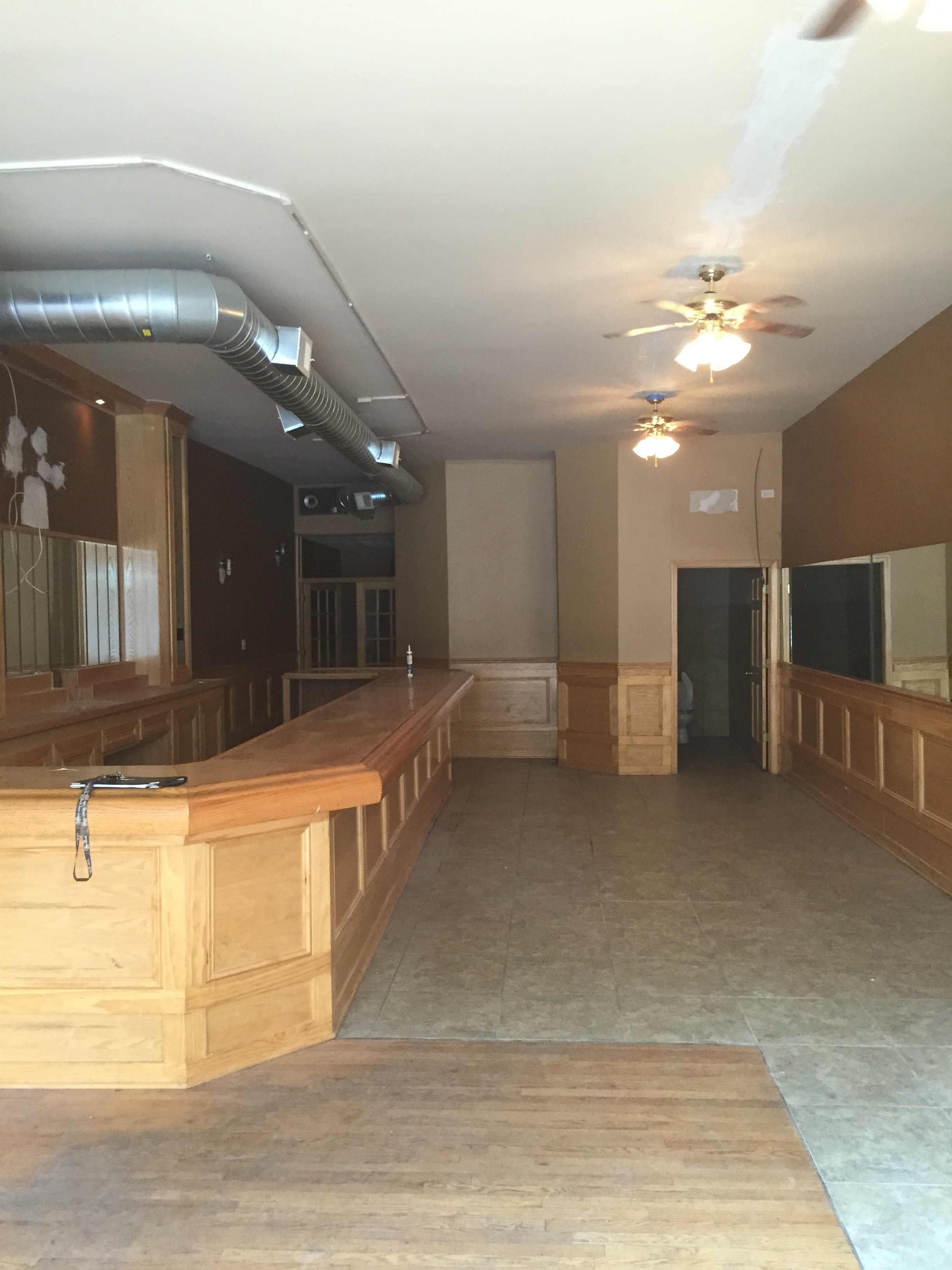 3 000 sf bar restaurant for rent on division in west town. Black Bedroom Furniture Sets. Home Design Ideas