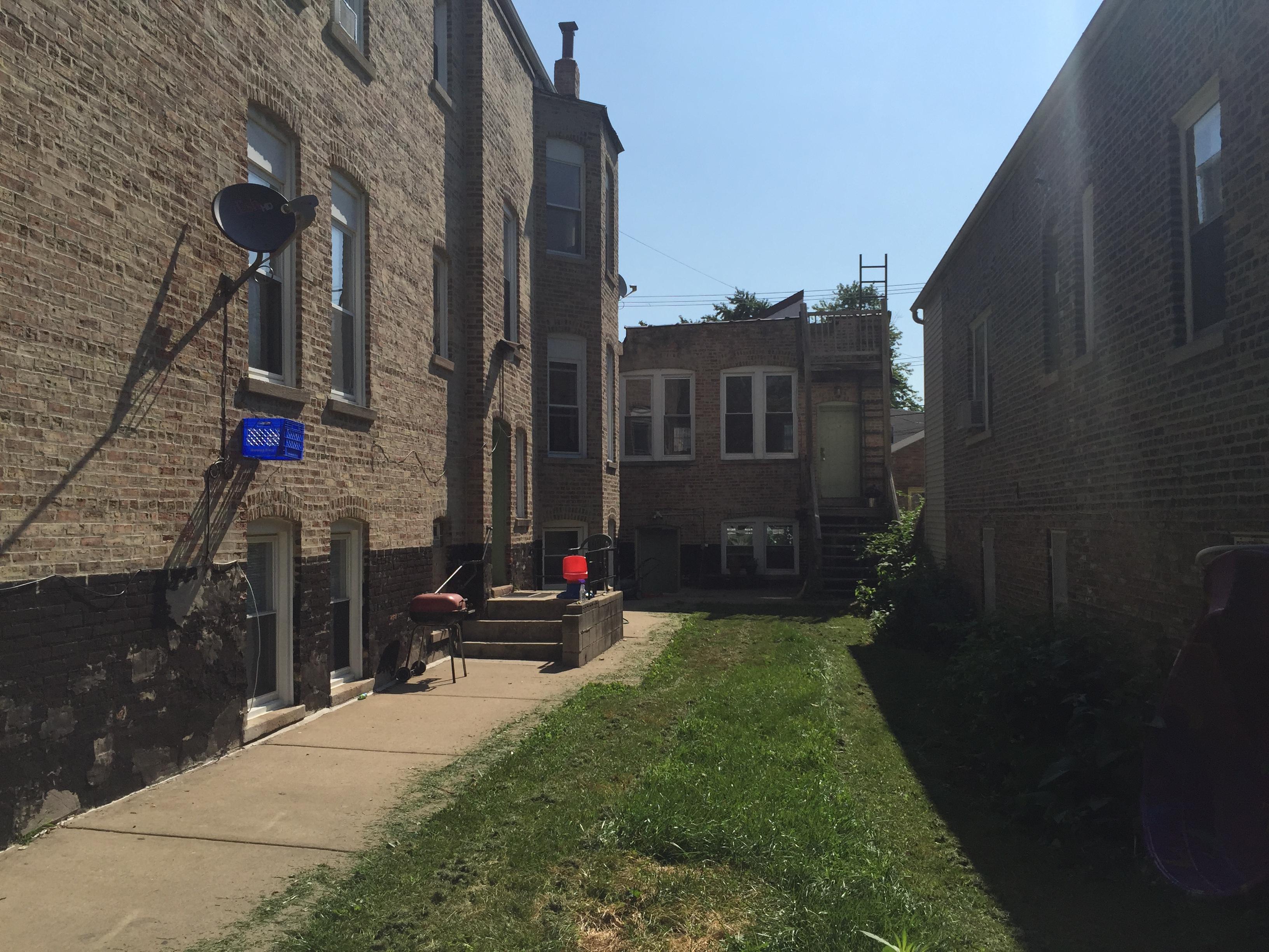 Eight Unit Apartment Building In Little Village