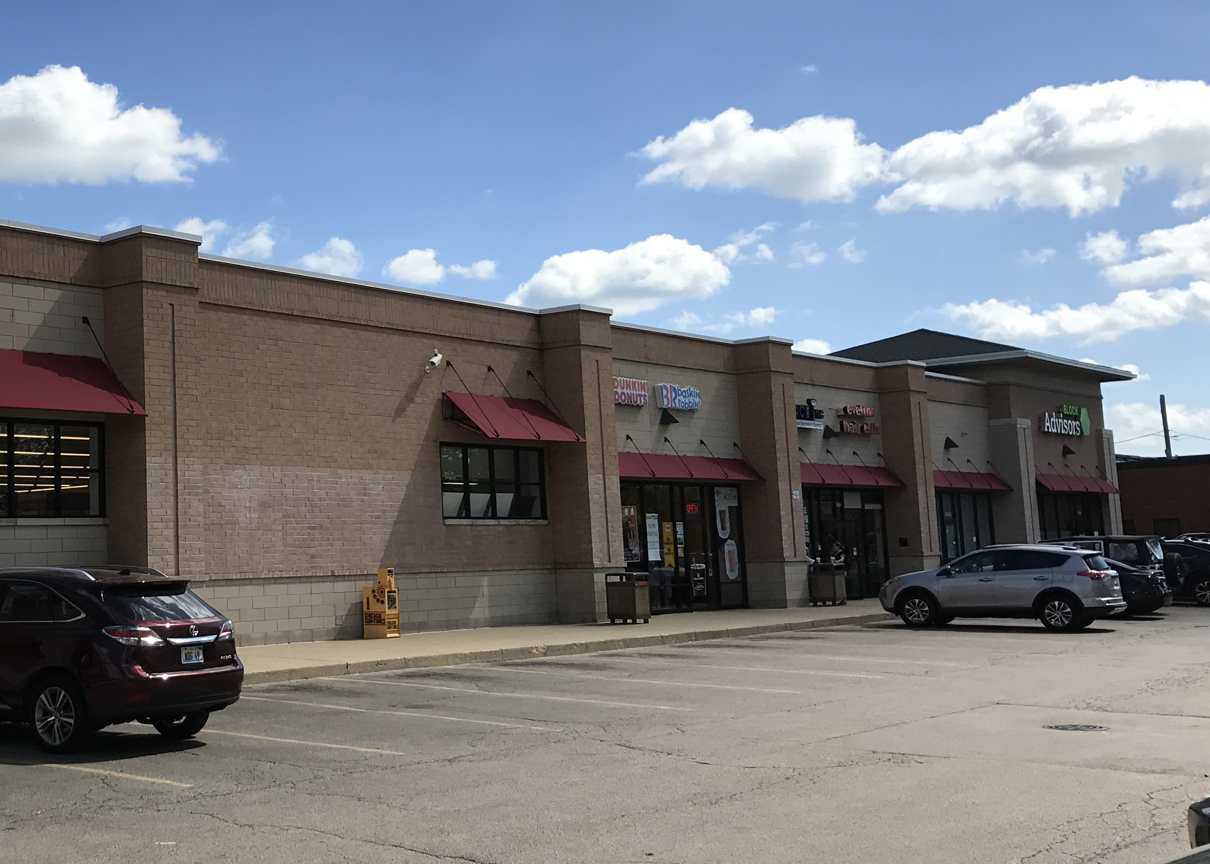 two storefronts for rent in cvs shadow anchor space