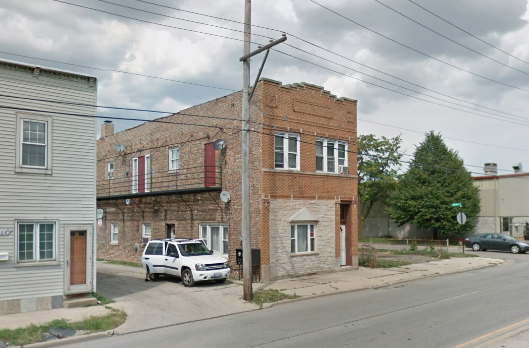 Fully Leased Apartment Building At 10 2 Cap