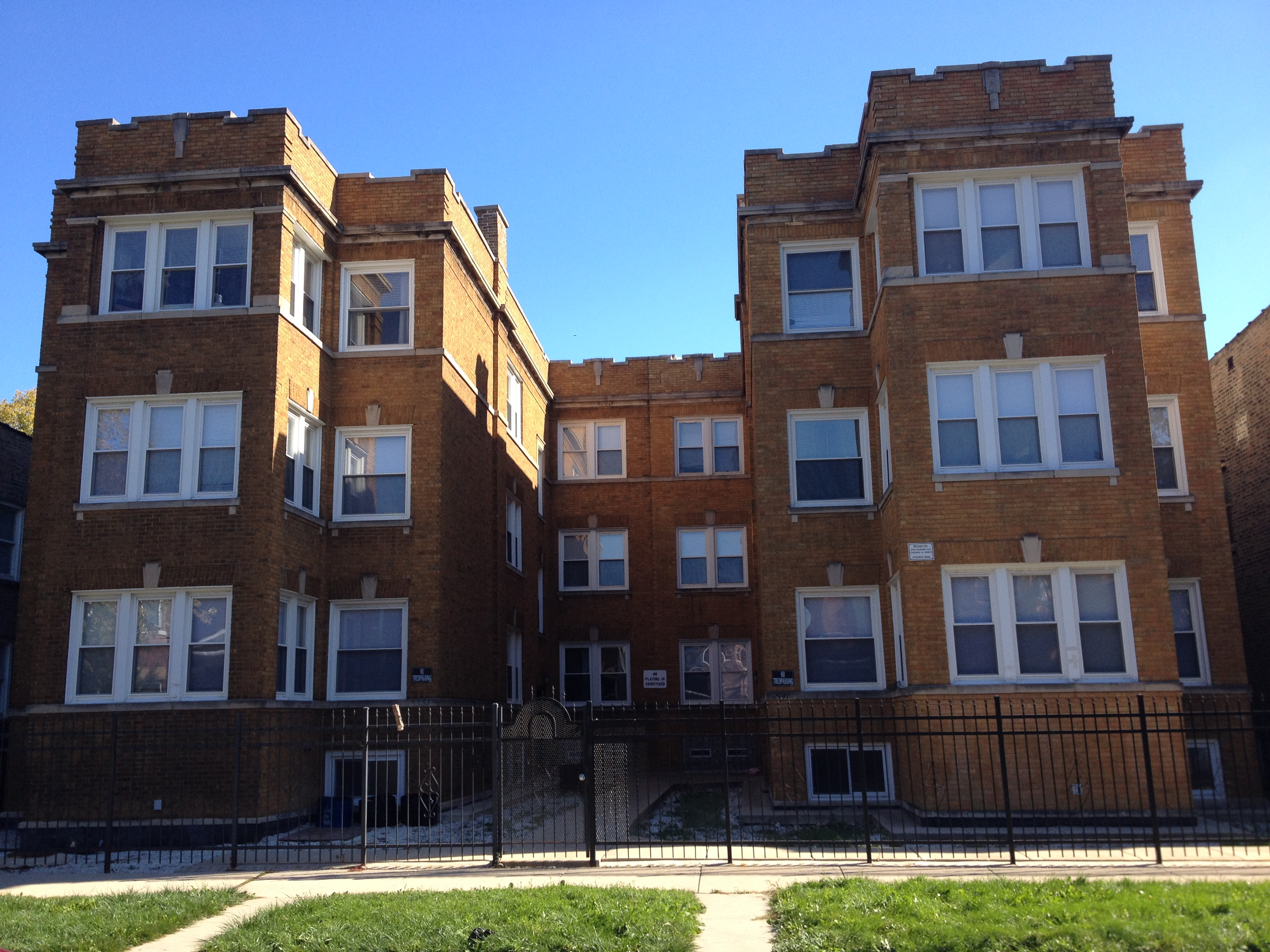 Recently Remodeled 2 Bed Apartment In Belmont Gardens