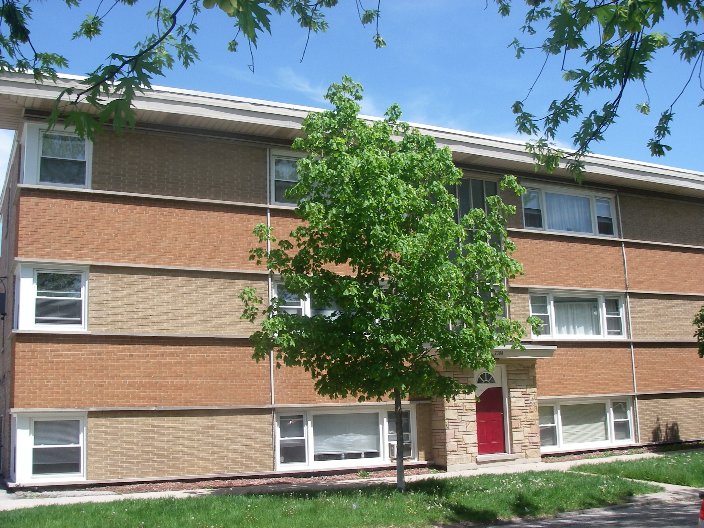 2 Bedroom Apartment With Parking In Elmwood Park Millennium Properties
